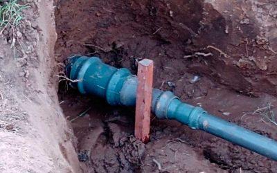 Reparación caño diámetro 90 red de agua  en calle Mendoza y Dr. Alvarez